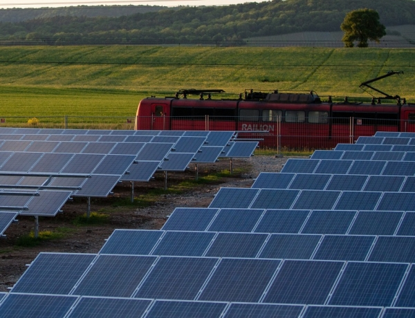 Solar panel researchers investigate powering trains by bypassing grid