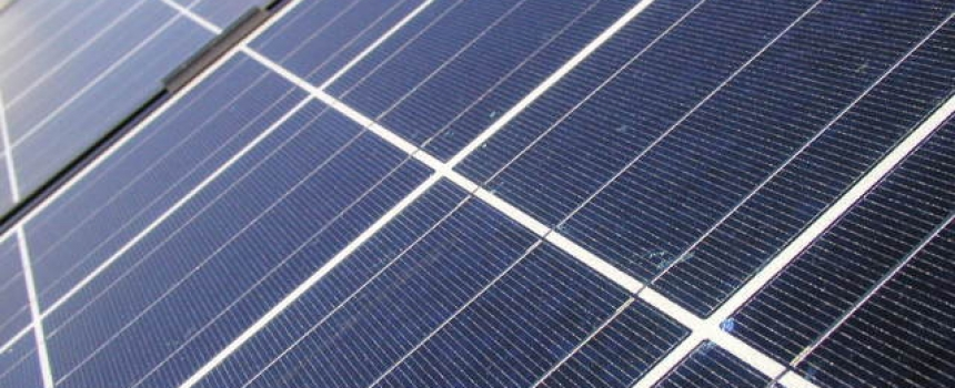 London borough installs 6,000 solar panels over marketplace